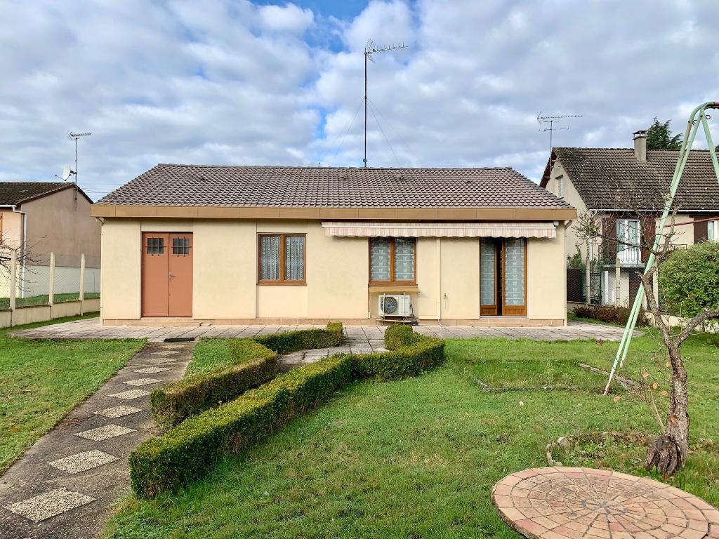 Maison avec 2 chambres et un garage