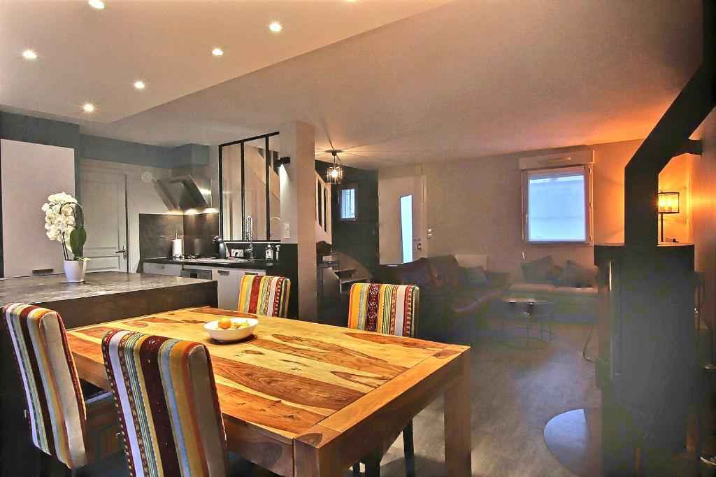 Maison Auray 5 pièce(s) 93.70 m2