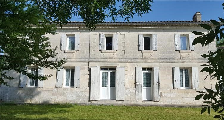 Maison Girondine en pierre datant du XIXème siècle