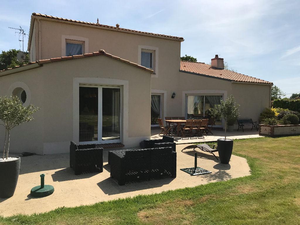 Maison Chauve 6 pièce(s) 190 m2