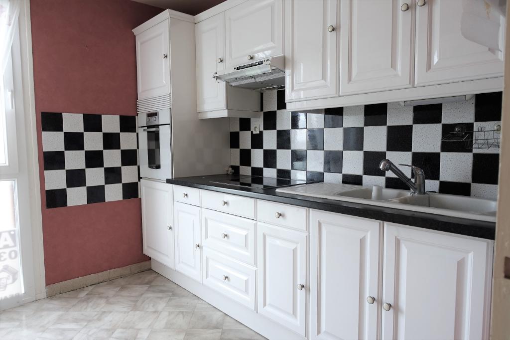 Appartement Beauvais 4 pièce(s) 75.63 m2