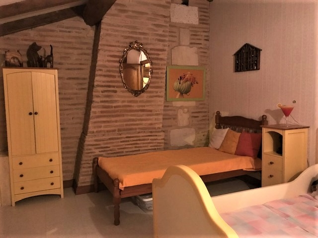 24700 Maison ancienne 275 m2 avec 5 chambres