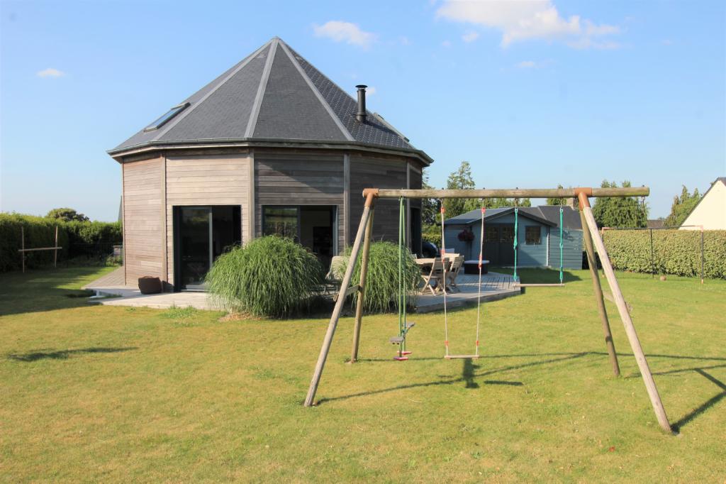 Maison Ducey 7 pièce(s) 126 m2