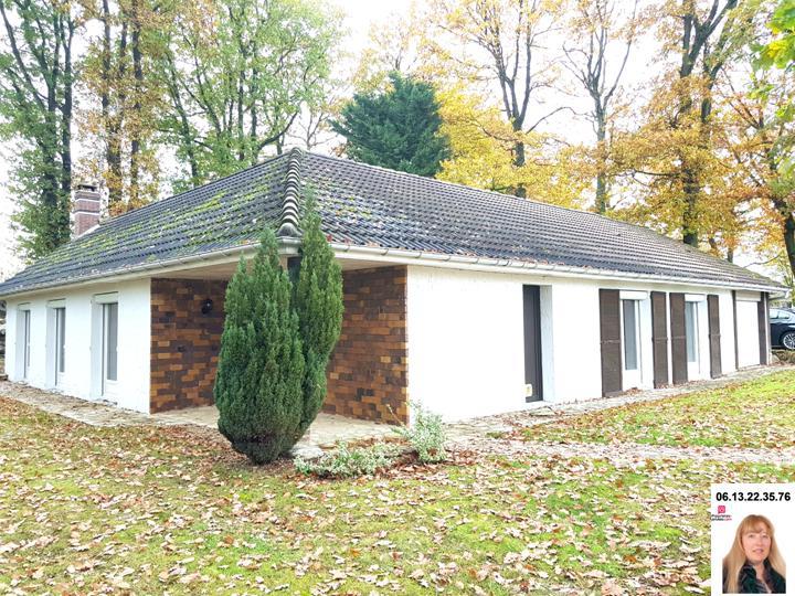 Les Andelys - Maison de plain pied de 106 m2 avec 3 chambres + garage +  850 m 2 de terrain : Prix : 223.630