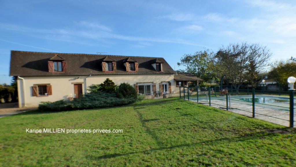SAINT GERMAIN SUR AVRE 27320 Maison individuelle d'env 158 m² - 1 étage - 4 chambres - Piscine sécurisée - Chalet bois - Double garage - Terrain - 239 000  HAI
