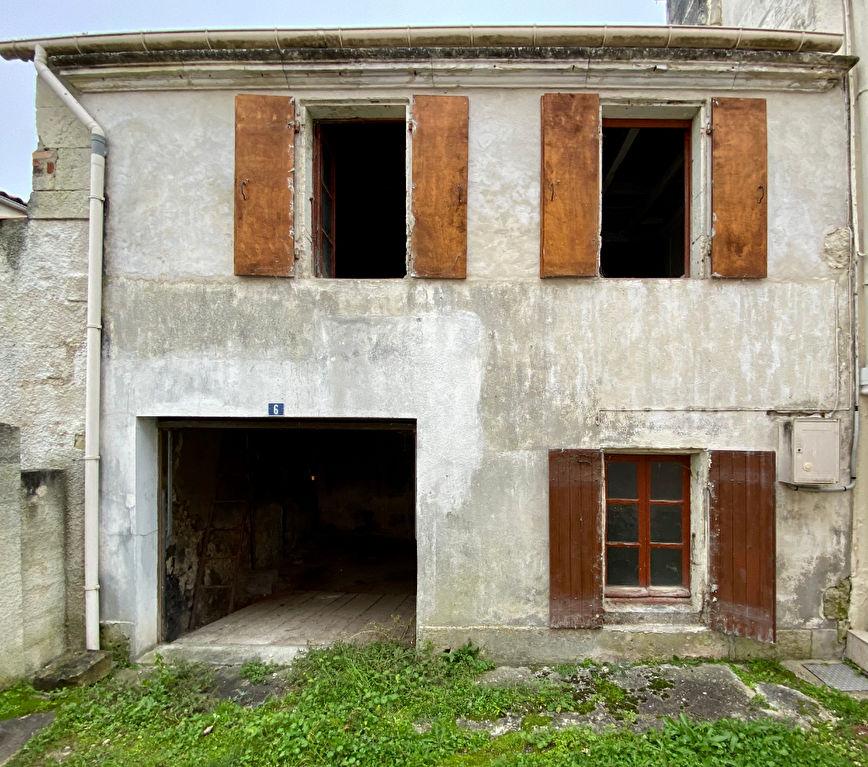 Maison Saintes 2 pièce(s) 62 m2
