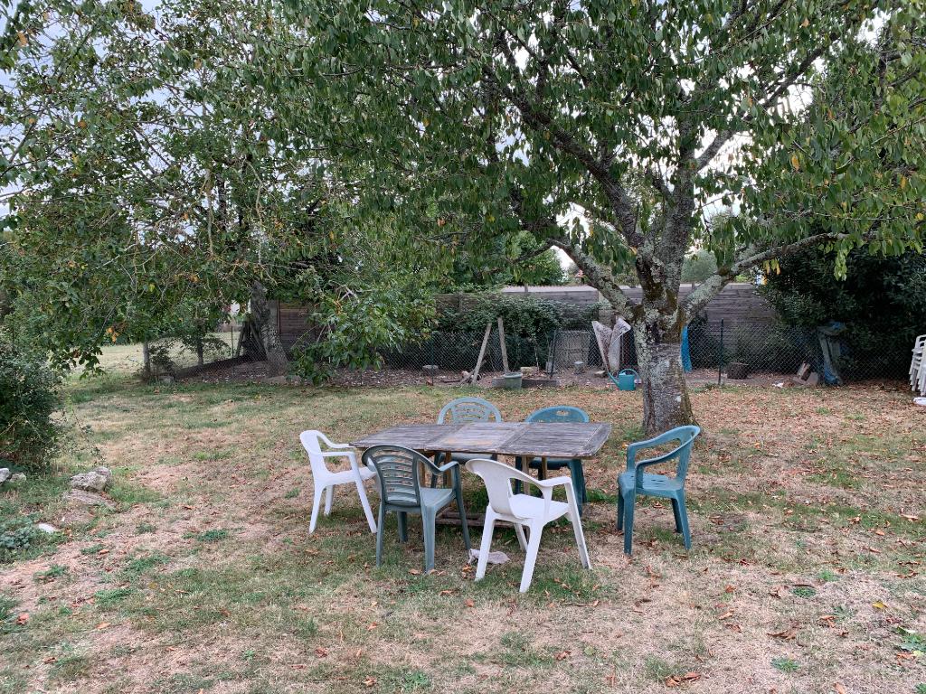 Maison Saint Romain De Benet plain pied 4 pièce(s) 92 m2 jardin garage véranda