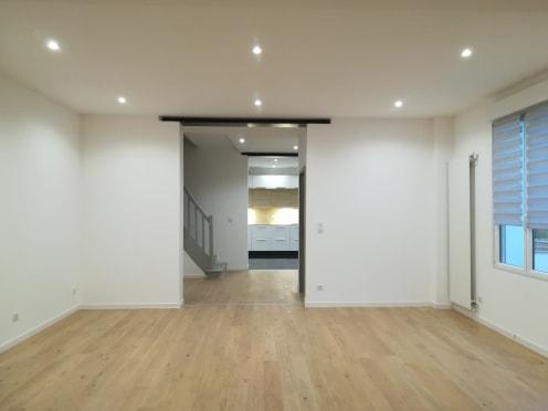 Maison de ville rénovée 5 pièce(s) 140 m2