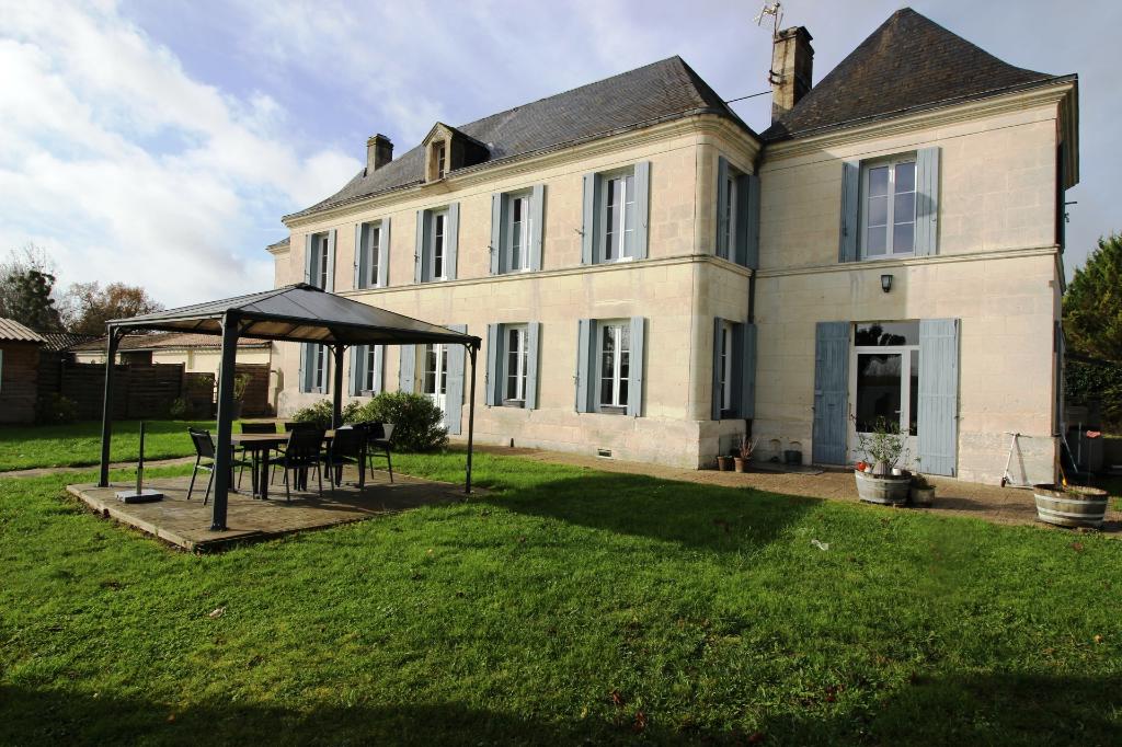Maison de maître Saint CIERS DU TAILLON,11 pièces, 272 m2