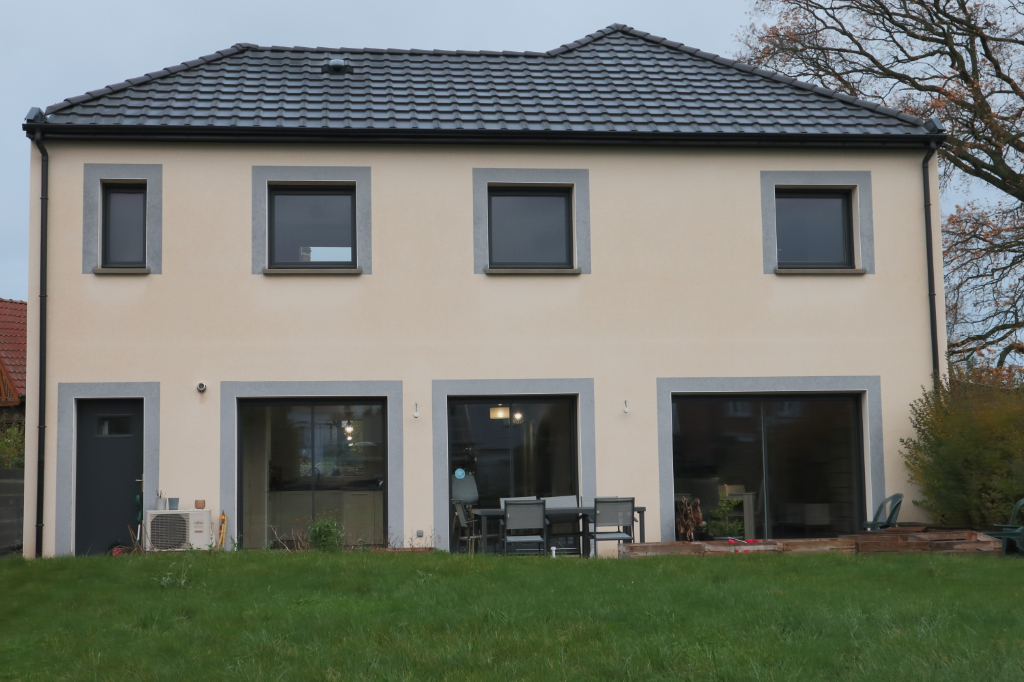 Maison récente Toufflers TOP SECTEUR, 8 pièce(s) 150 m2, 4 chambres et jardin