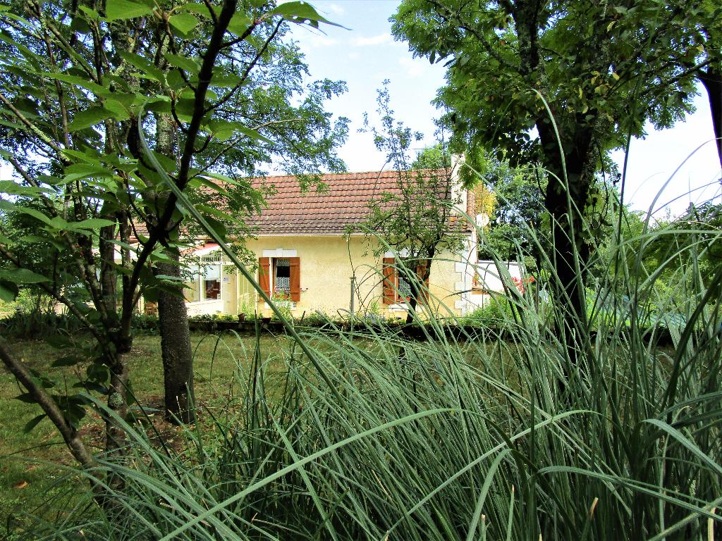 24700  Saint Martial D Artenset maison pierre 150 m2