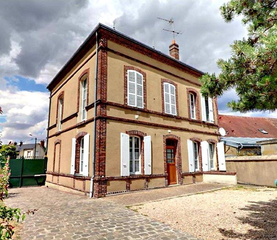 Maison Dreux 220 m2 Secteur école St Pierre