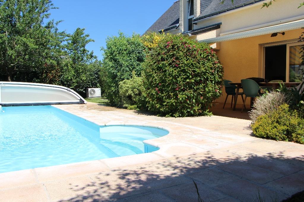 Maison Cleguer avec piscine chauffée