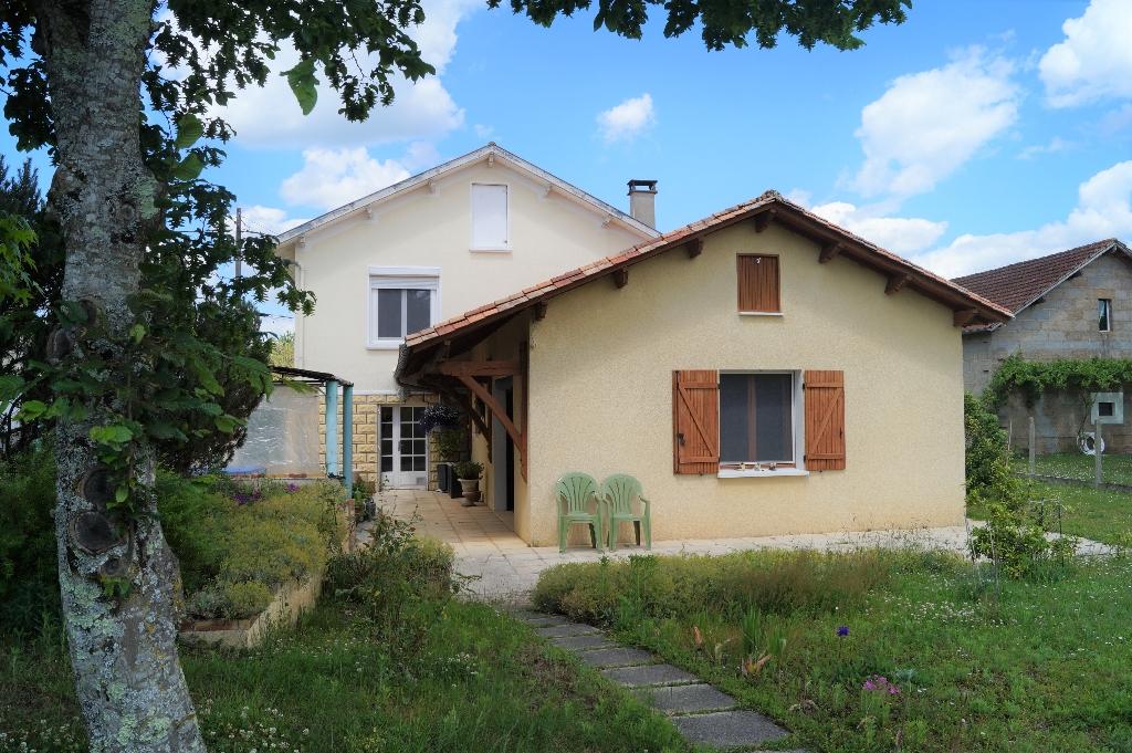 Maison Saint Leon Sur L'Isle 5 pièces 136 m2