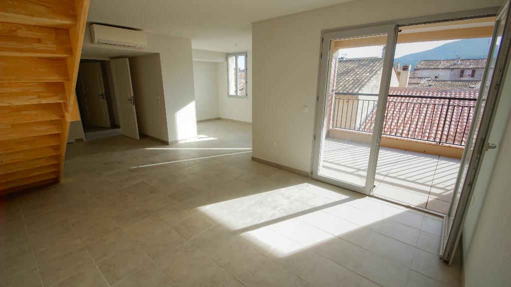 Appartement duplex 4 pièce(s) 106.05 m2 - dernier étage - garage box - Roquebrune-sur-Argens