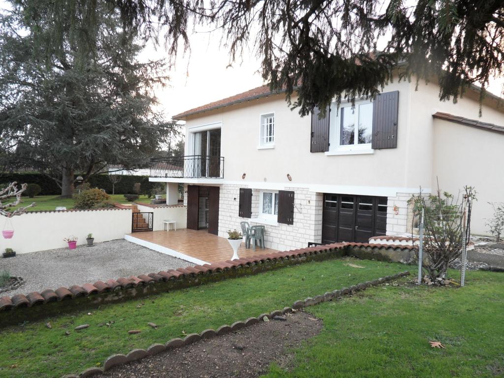 Maison Mussidan 5 pièces 160 m2 sur parcelle 1370 m²
