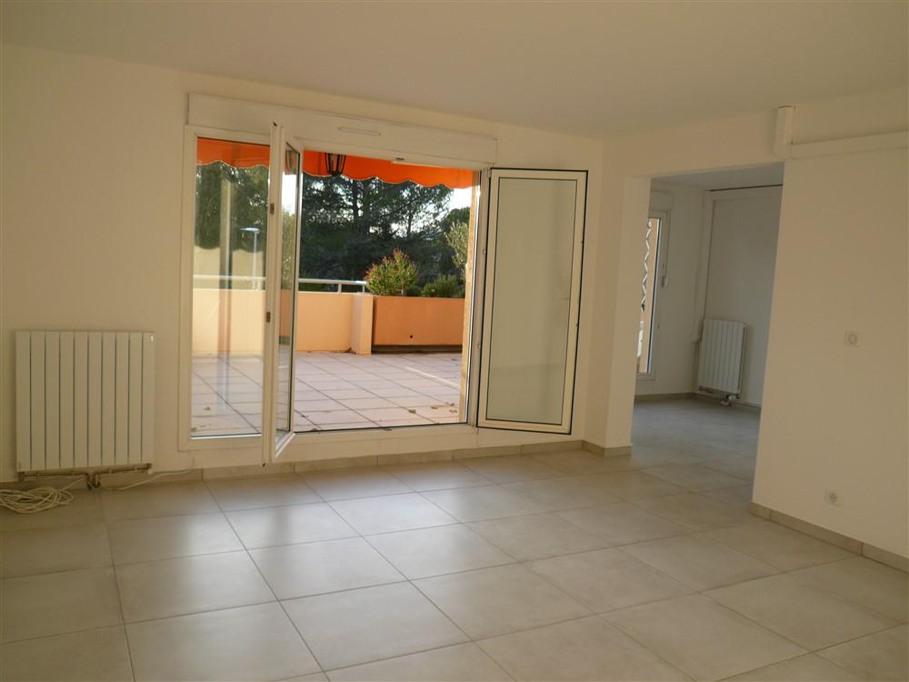 GARD. NIMES. Appartement 3 pièce(s) 80 m2 secteur Nîmes ouest