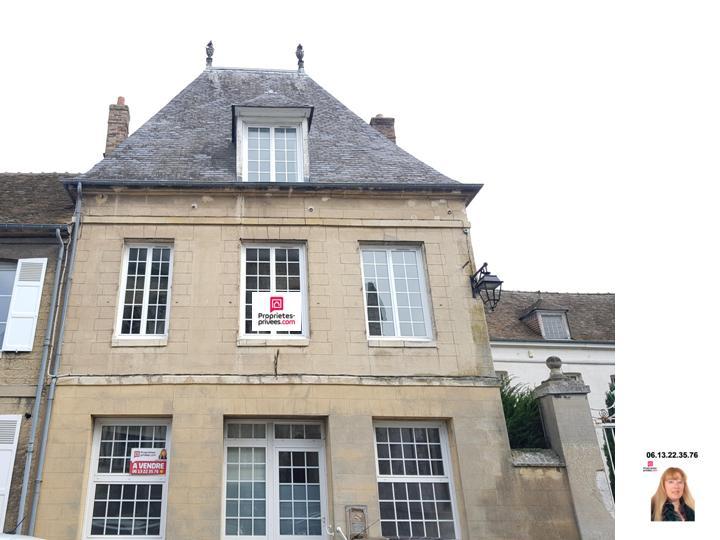 Le petit Andelys  - Maison de ville spacieuse de 195 m2  comprenant 3 chambres - Prix : 175.600