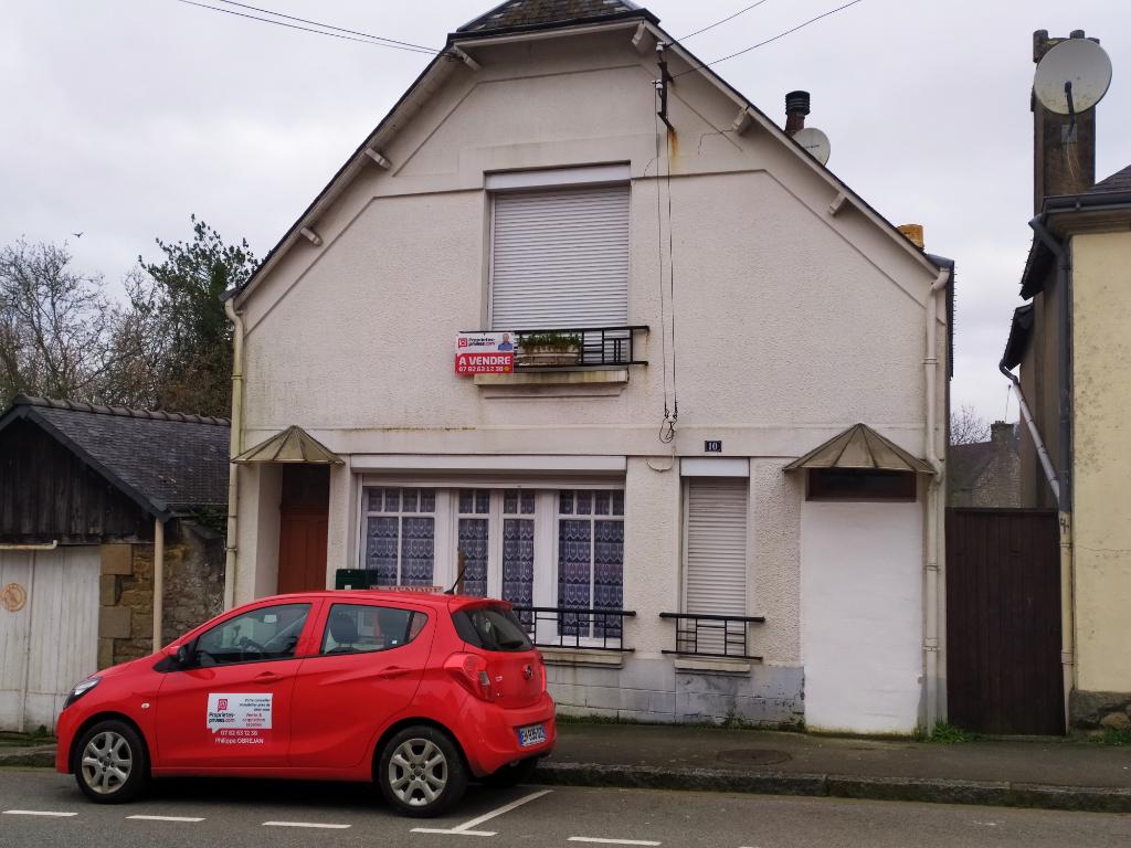 Maison de caractère à petit prix, proche commodités, avec jardin