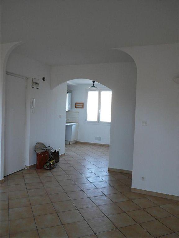 GARD. NIMES. Appartement  3 pièce(s) 67 m2, quartier Croix de Fer