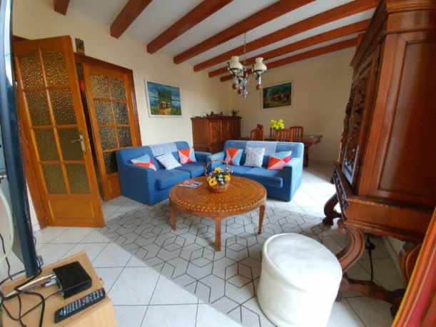 Maison vigneronne (double habitations )/jardinet/grand garage