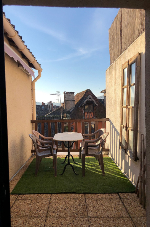 Appartement de caractère avec terrasse