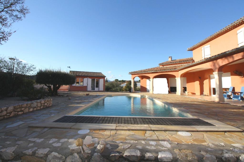 Maison 7 pièces 254 m² avec piscine à Sauve
