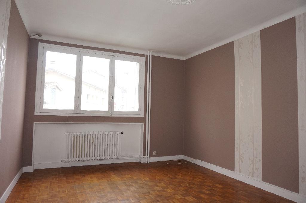 Appartement Le Chambon Feugerolles 2 pièce(s) 42 m2