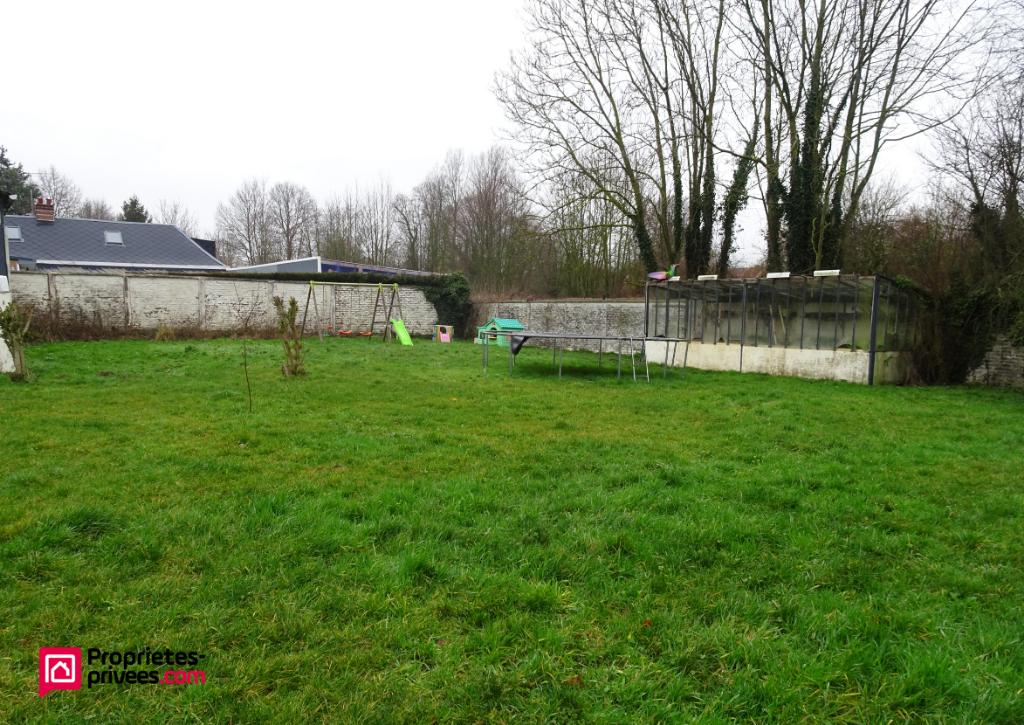 Terrain constructible secteur calme 734 m²