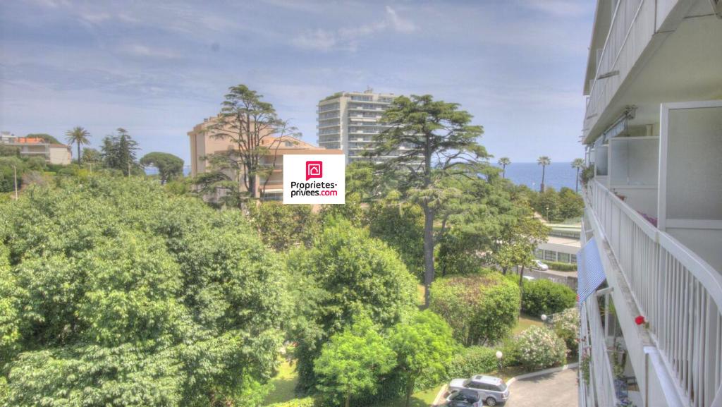 Cannes 06150  T3  de 92 m² Vue mer  A rénover-Baisse de Prix !