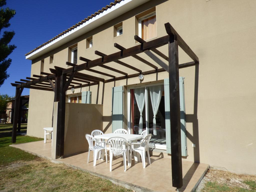 Appartement Saint Saturnin Les Avignon 3 pièce(s) 36 m2   95 990 euros
