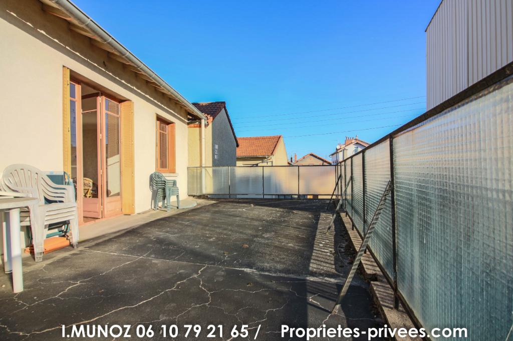 Maison  d'habitation + commerce  à  Clermont Ferrand 7 pièce(s) 200 m2