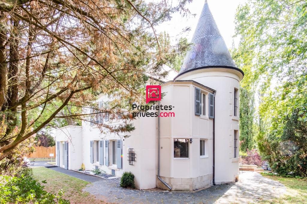 Demeure à Châteauroux, entièrement rénovée, cachet et caractère