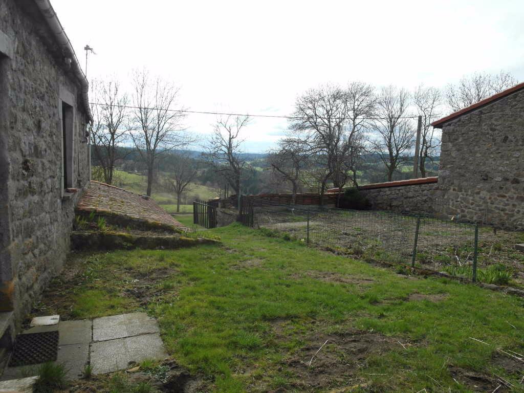 Corps de ferme Saint Romain Lachalm 10 pièce(s) 155 m² 512m² de terrain