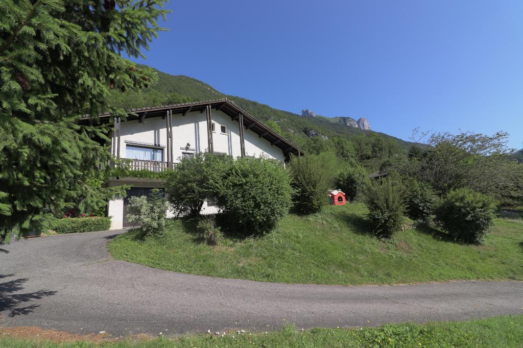 Maison - Faverges (74210) - 480 000  - 200 m² environ