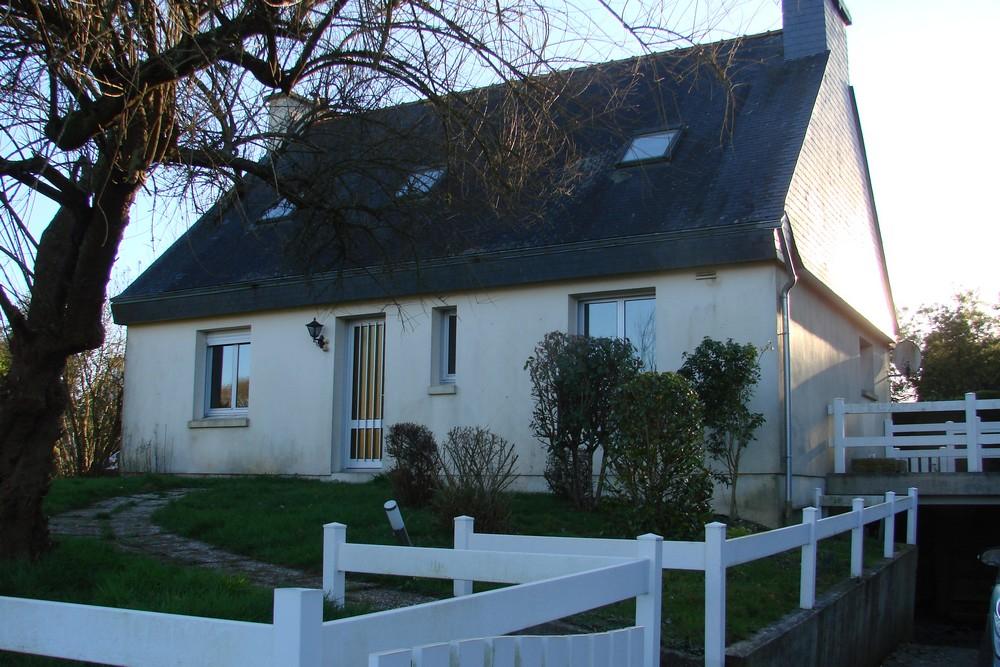 Maison Mael Carhaix 5 pièce(s) 117 m2