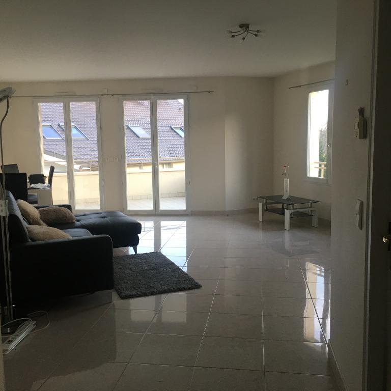 01220 Divonne   Résidence sécurisée - Appartement 107m² - 3 chambres