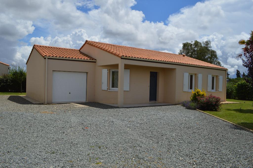 Maison Faye Sur Ardin 5 pièce(s) 90 m2