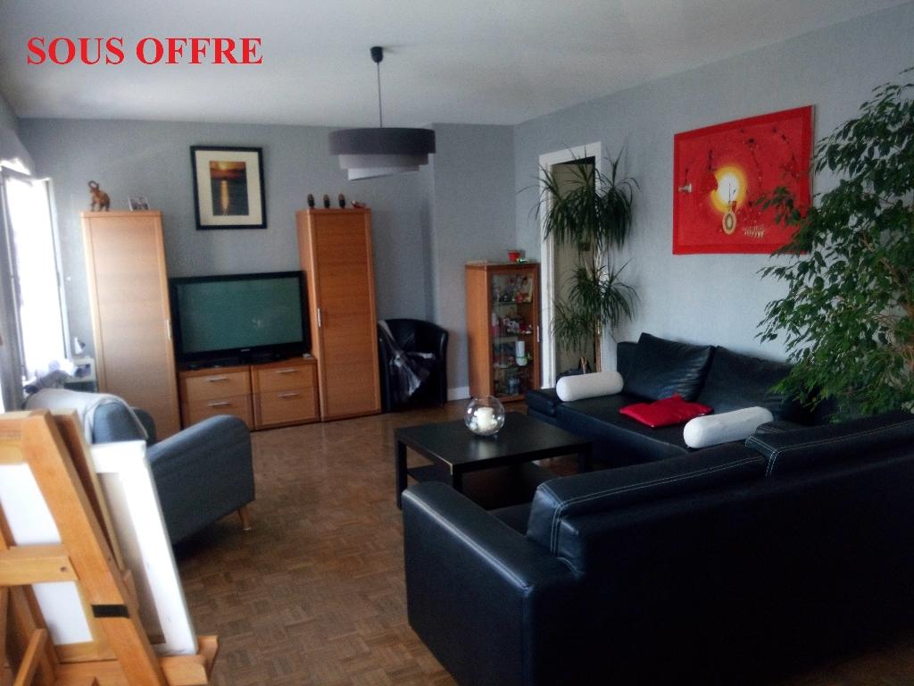 LORIENT - 56100 - Appartement de  87 m²  - Quartier du Ter - Très calme - Toutes commodités