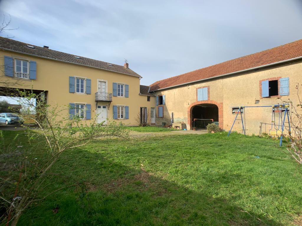 Maison Lembeye 6 pièce(s) 180 m2 environ 225 000