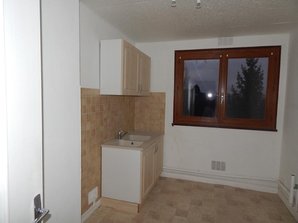 SENS (89100) Appartement T4
