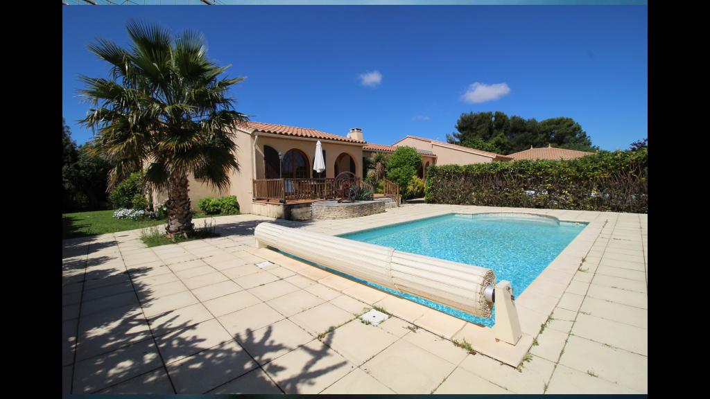 Villa 34140 Meze 8 pièce(s) 190 m2 -  Piscine - 589 500 euros