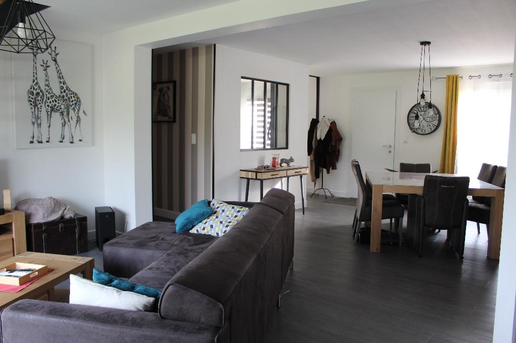 Maison 175 m2, Montreuil /Loir , 5 chambres, 371 330 euros  HAI