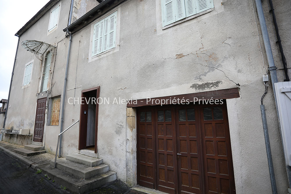 Maison à rénover 7 pièce(s) 110 m2