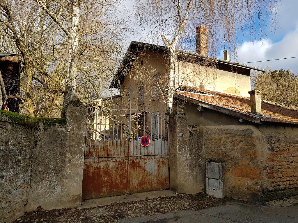 Maison à rénover avec gros potentiel à Albigny sur Saône proche de Lyon