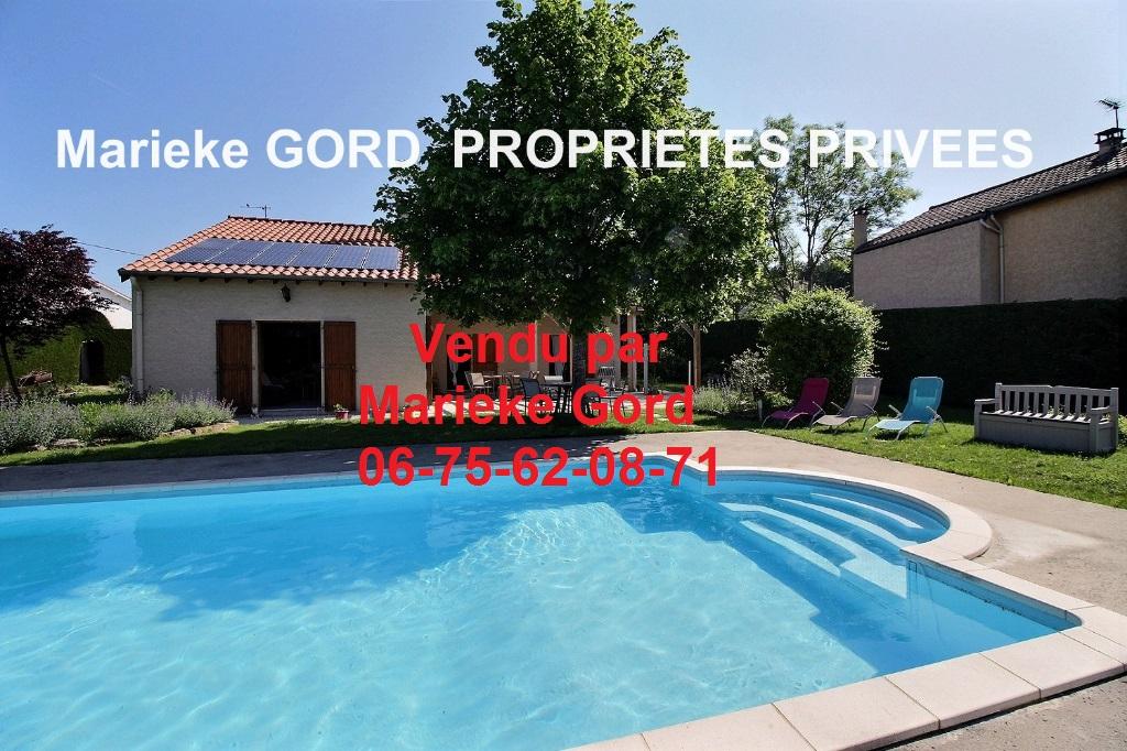 Maison d'architecte plain-pied 144 m²  3 chambres piscine sur un terrain arboré de 2600 m²