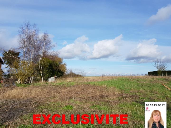 Exclusivité : Entre Hennezis et Cléry - A la Baguelande , beau terrain de façade de 1.001 m2 constructible  - Prix : 63.990