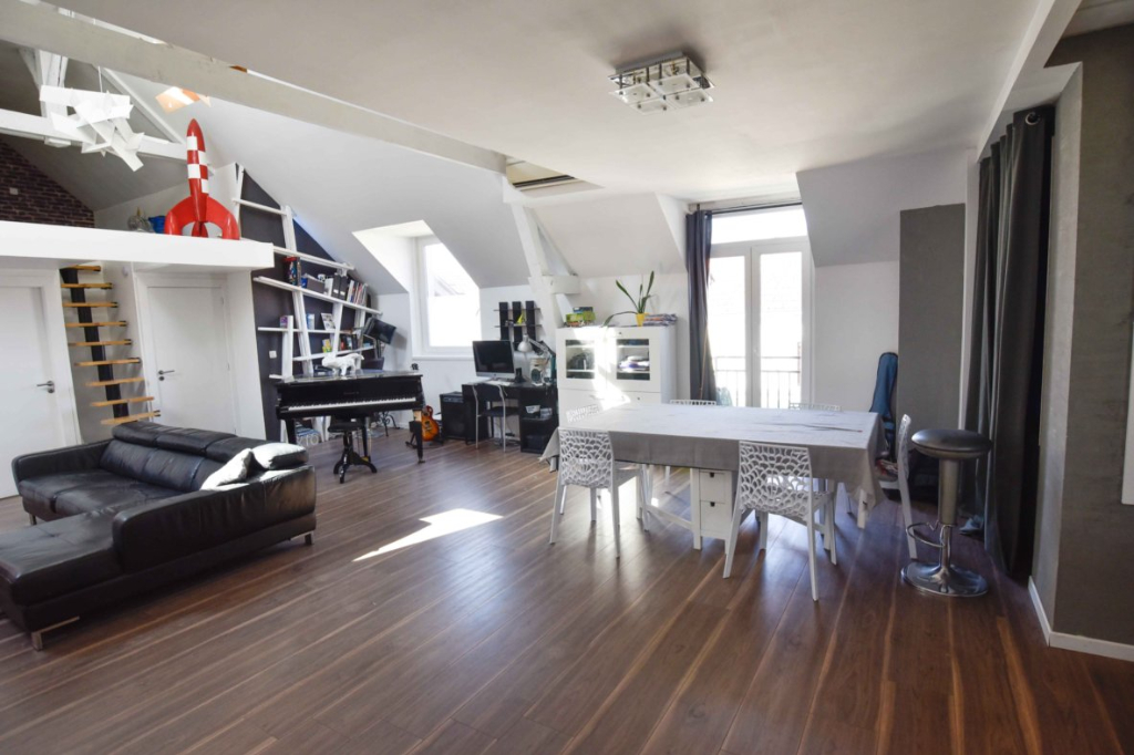 Loft Mailly Champagne 6 pièce(s) 143 m2