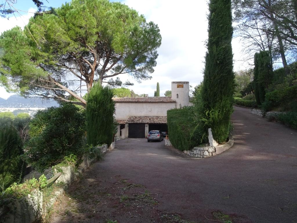 06570 Maison Saint Paul De Vence 5 pièce(s) 180 m2