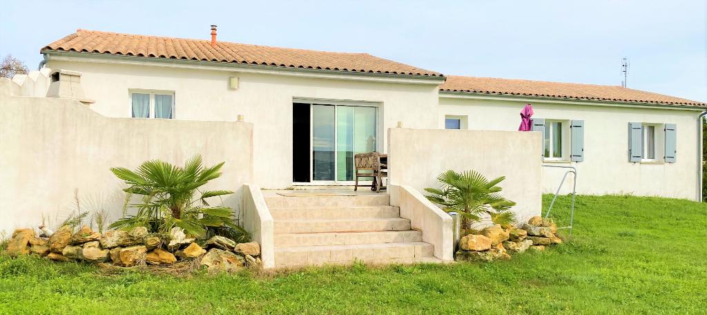 Villa 17600 Saujon 6 pièce(s) 138 m2 plain pied, garage, cave, jardin